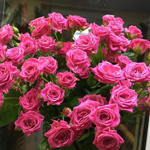 Букет кустовых роз Лавли Лидия