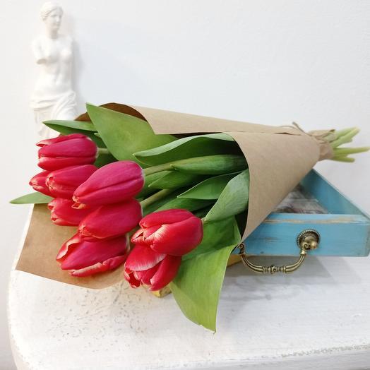 Девять красных тюльпанов 50см