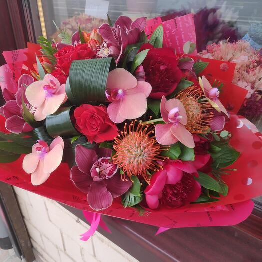 Букет цветов Алые Паруса