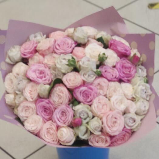 Букет из миксовых пионовидных роз
