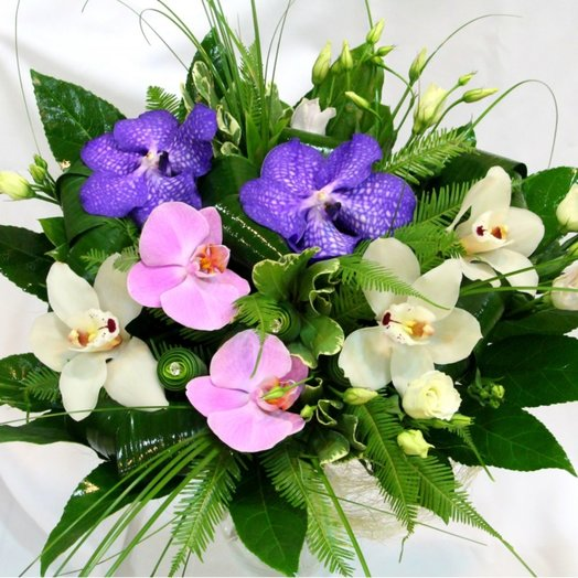 Наслаждение изяществом: букеты цветов на заказ Flowwow