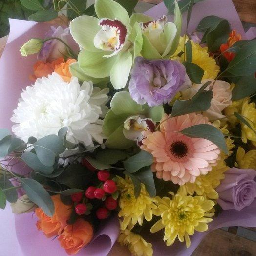 Букет из смешанных цветов: букеты цветов на заказ Flowwow