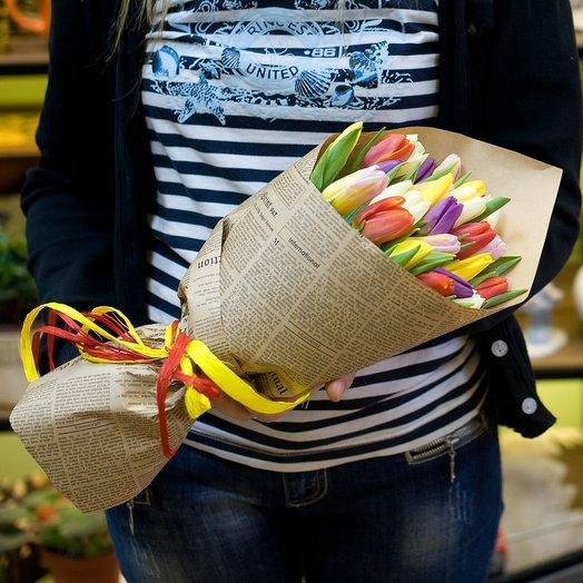 Букет тюльпанов Разноцветные тюльпаны: букеты цветов на заказ Flowwow