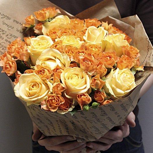 Букет mix роз в крафте: букеты цветов на заказ Flowwow