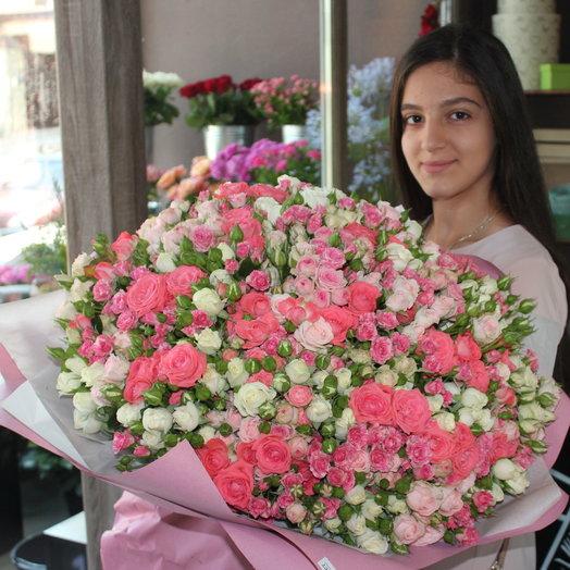Букет Тысяча Комплиментов: букеты цветов на заказ Flowwow