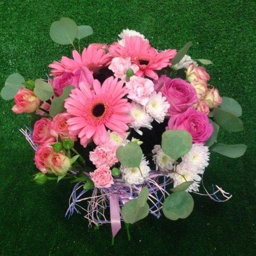 Нежный мягкий букет с герберой хризантемой и гвоздикой: букеты цветов на заказ Flowwow