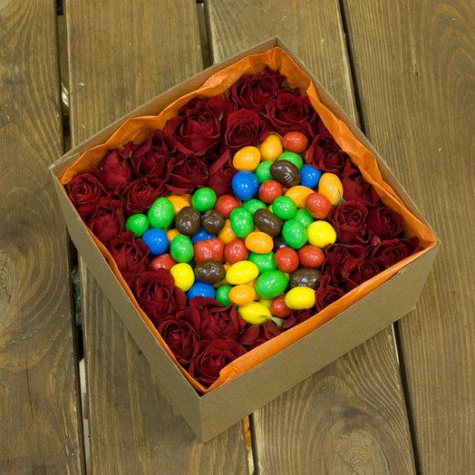 """Корбка с цветами и сладостями """"Люблю сладкоежку"""""""