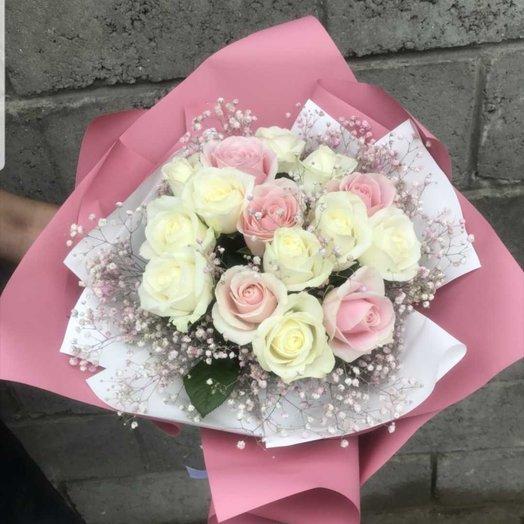 Букет из 17 роз и гипсофилы: букеты цветов на заказ Flowwow