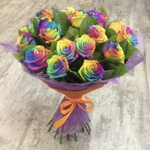 Букет радужных роз: букеты цветов на заказ Flowwow