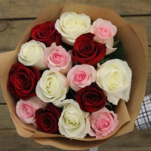 Букет из красных/белых и розовых роз: букеты цветов на заказ Flowwow