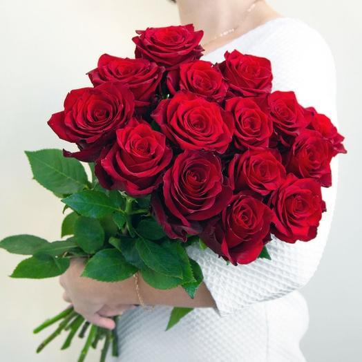 Красные розы: букеты цветов на заказ Flowwow