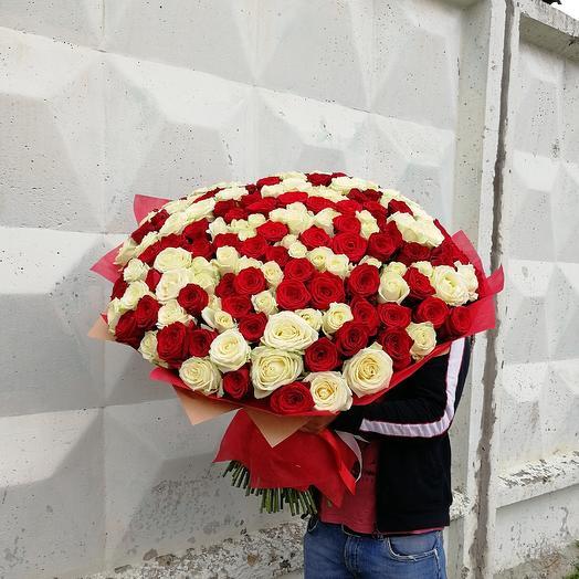 Микс из 201 розы: букеты цветов на заказ Flowwow