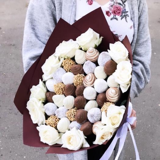 Клубника в букете: букеты цветов на заказ Flowwow