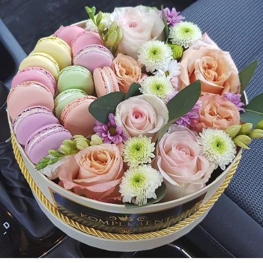 Макаруны с цветами: букеты цветов на заказ Flowwow