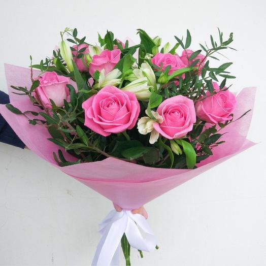 9 роз с альстромерией