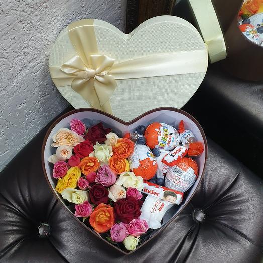 Коробочка ко Дню Всех Влюбленных: букеты цветов на заказ Flowwow