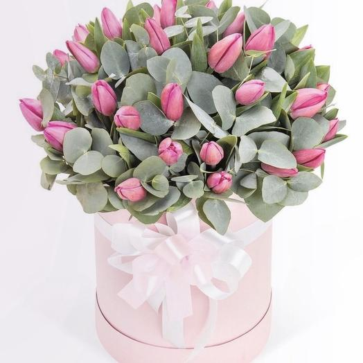 "Коробка с тюльпанами ""пташка """