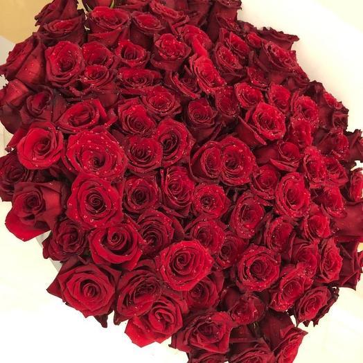 Шикарная 101 роза: букеты цветов на заказ Flowwow
