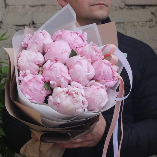 Букет 11 розовых отборных пионов