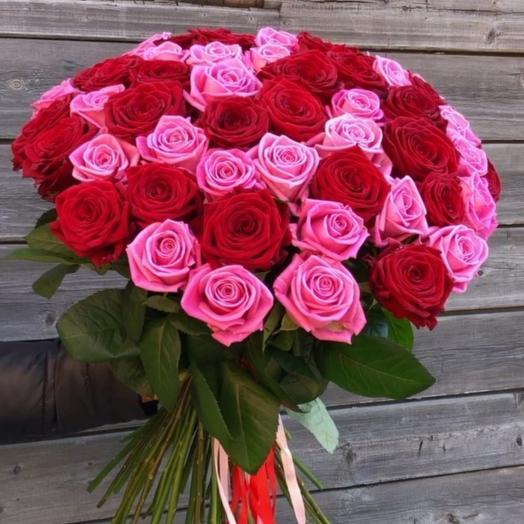 Букет из 51 красно-розовой розы