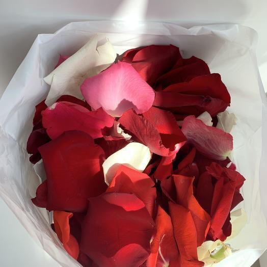 Лепестки роз в пакете