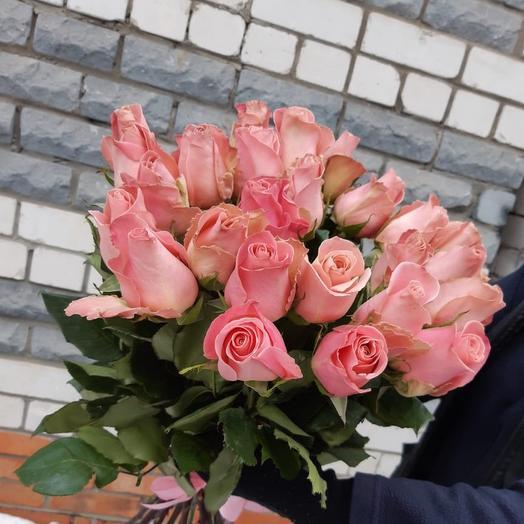 «Букет Дня» из 25 нежно-розовых роз 70 см