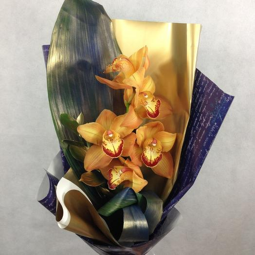 Орхидея в золотом
