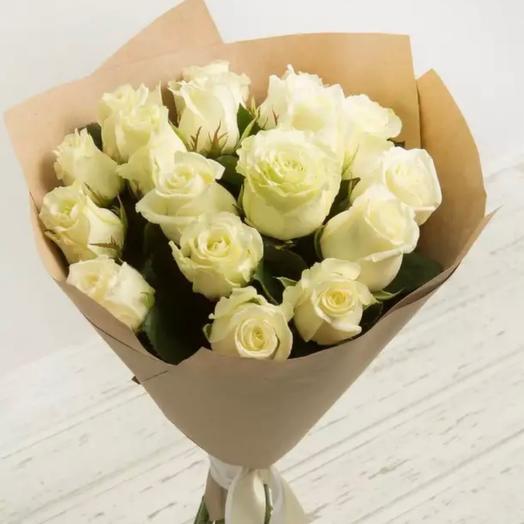 Белые розы в Упаковке