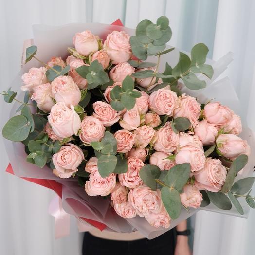 Пионовидные кустовые розы Бомбастик