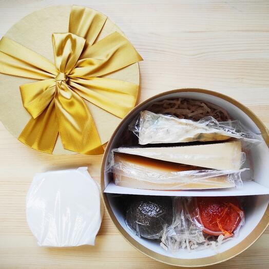 Подарочный набор элитных сыров номер 9