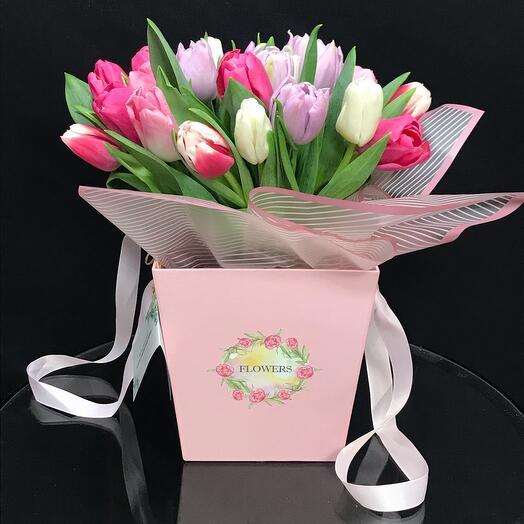 Нежный микс Тюльпанов в коробке