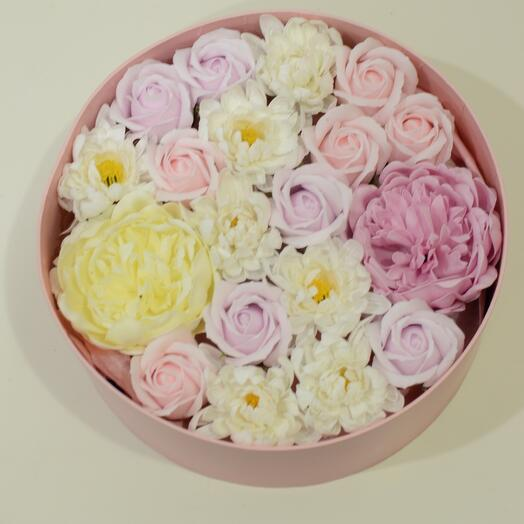Gift set of soap flowers