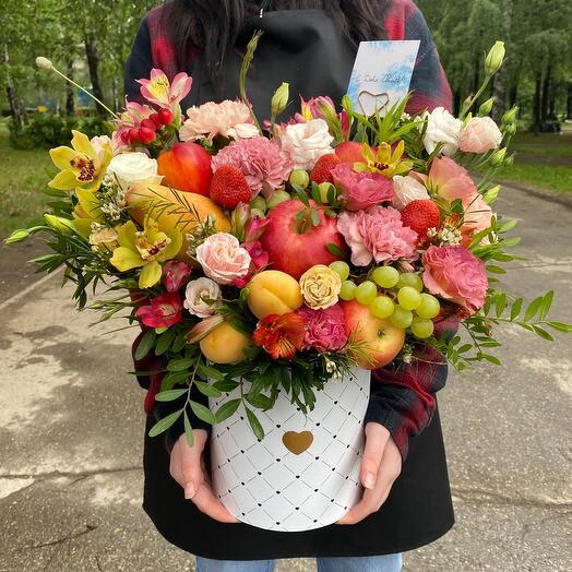 Цветы в коробке-с днём свадьбы