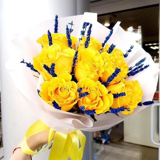 """Букет роз с лавандой """"Солнечные розы"""""""