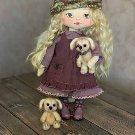 Кукла текстильная,  тело    корейский хлопок, волосы шерсть    козы, набивка-синтепух, обувь-  натуральная кожа, лицо-акрил