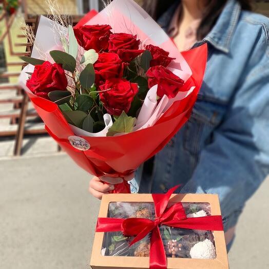 Комбо набор розы и клубника в шоколаде