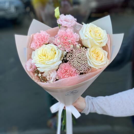 Нежный букет с пионовидными розами (1 сентября)