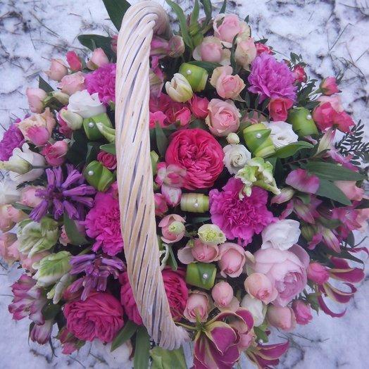 Роскошная корзина: букеты цветов на заказ Flowwow