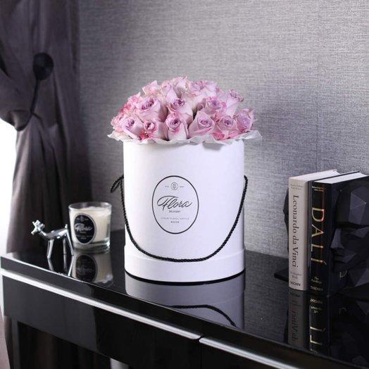 Розы Purple в шляпной коробке Grand White