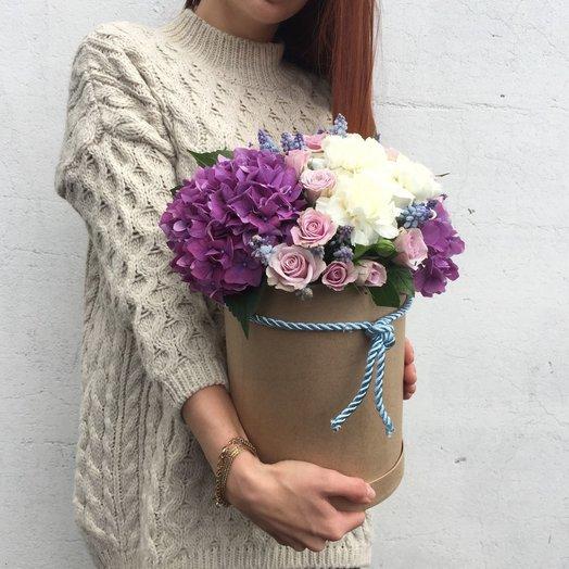 Шляпная коробка с гортензией и розой: букеты цветов на заказ Flowwow