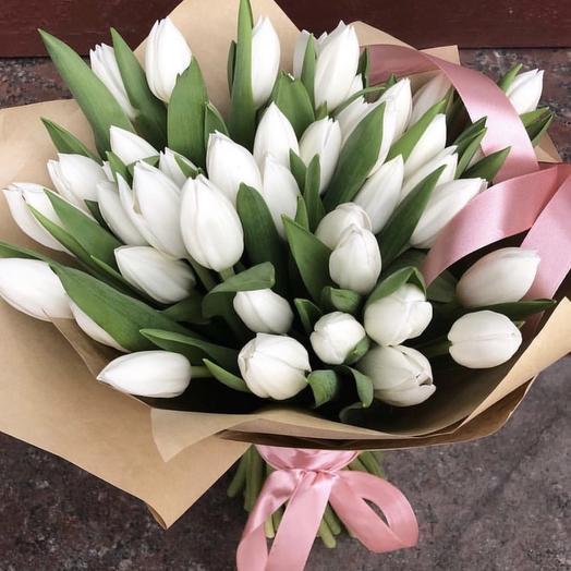 Букет из 51 белого тюльпана: букеты цветов на заказ Flowwow