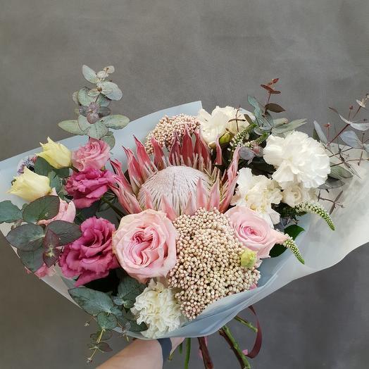 Королевский с протеей: букеты цветов на заказ Flowwow
