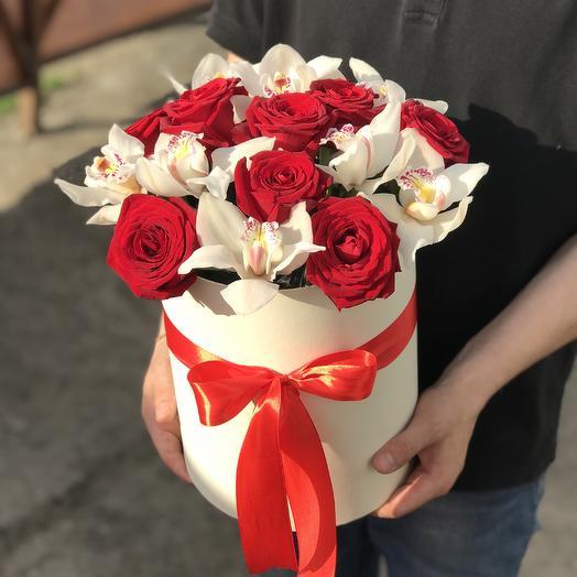 Орхидея и роза в Коробке: букеты цветов на заказ Flowwow