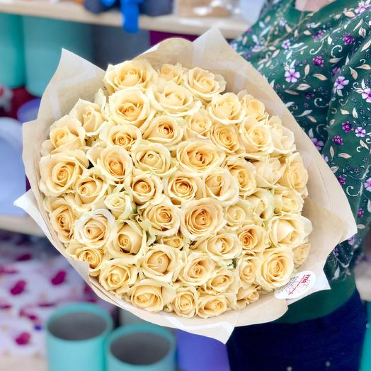 A bouquet of 51 roses cream