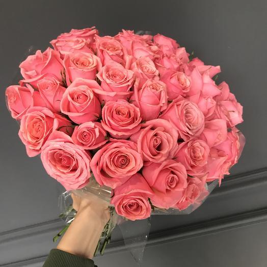Малиновые розы 💕: букеты цветов на заказ Flowwow