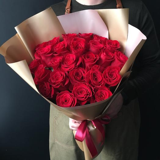 Премиальные  бордовые розы: букеты цветов на заказ Flowwow
