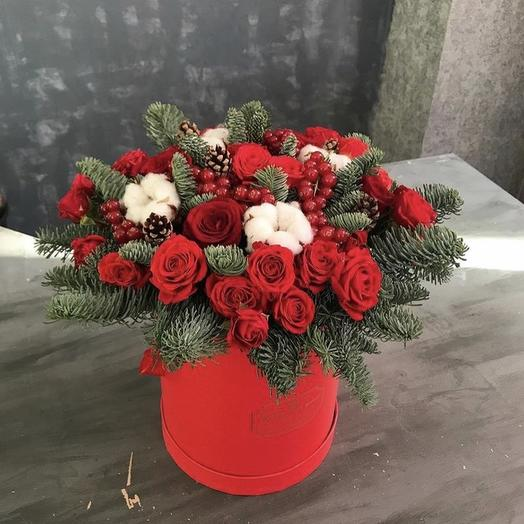 Christmas bouquet with roses: flowers to order Flowwow
