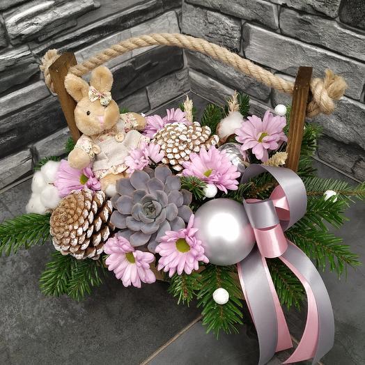 Милый ящичек с зайкой: букеты цветов на заказ Flowwow