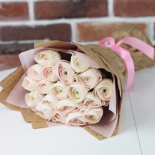 Букет из 19 нежно розовых ранункулюсов. N662