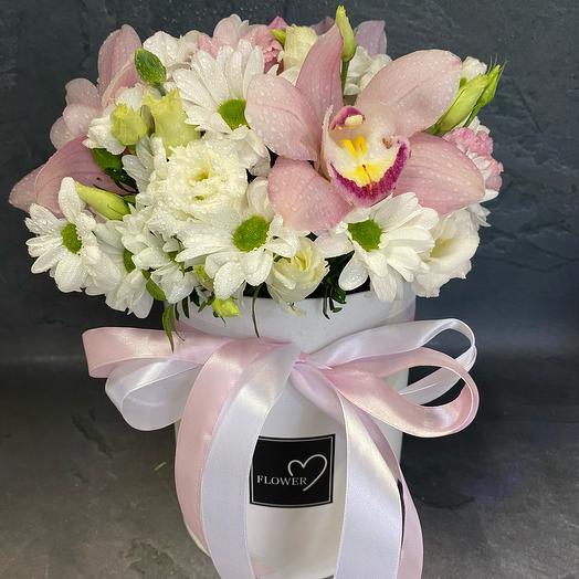 Цветы в коробке «пудра»